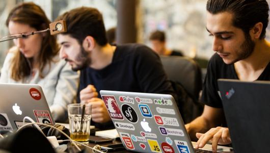 Інтерв'ю з розробниками: про студентів, практику та можливості для майбутніх програмістів